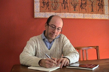 Nelson Verástegui, ganador del XVIII Premio Sexto Continente de Relato.